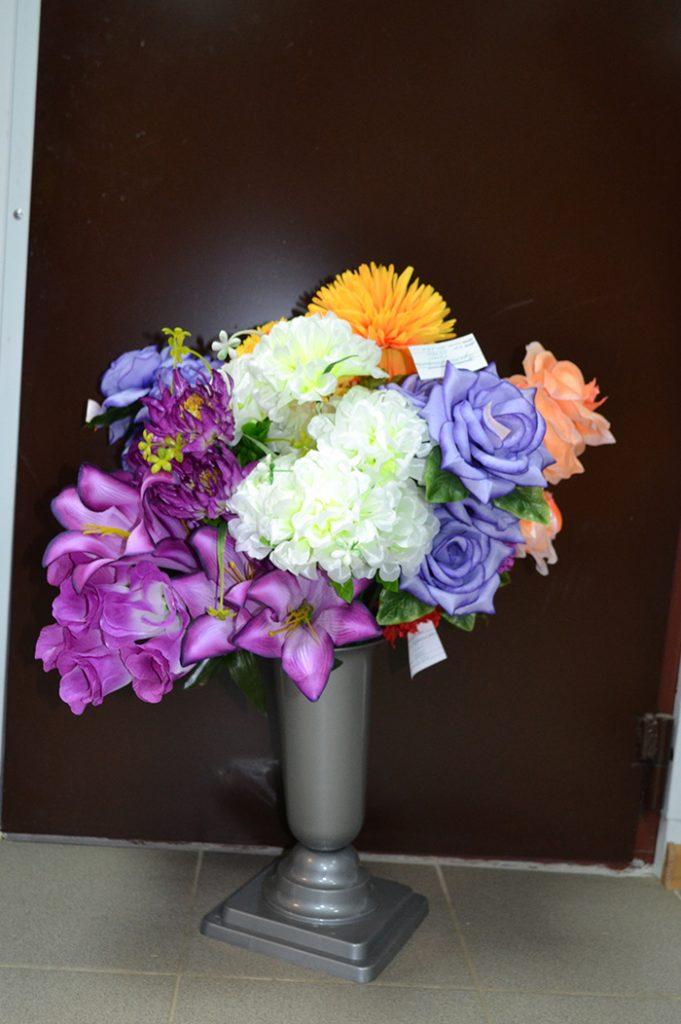 Искусственные цветы: 010