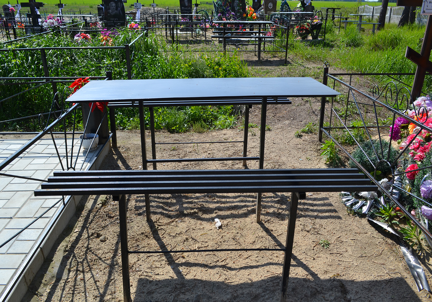 Металлический стол и лавки: 003